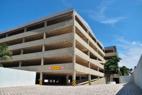 Edificio de Parqueo Saguapac