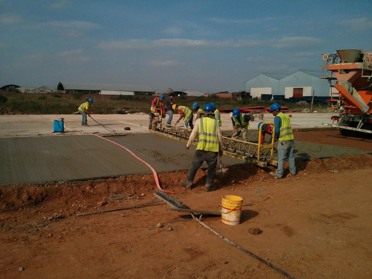 Construcción  «Pavimento Rígido, Pavimento Articulado y Obras Complementarias P.I. 51» – EMBOL S.A. gallery